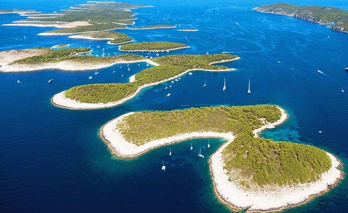 Hvar catamaran charter, motor yacht charter