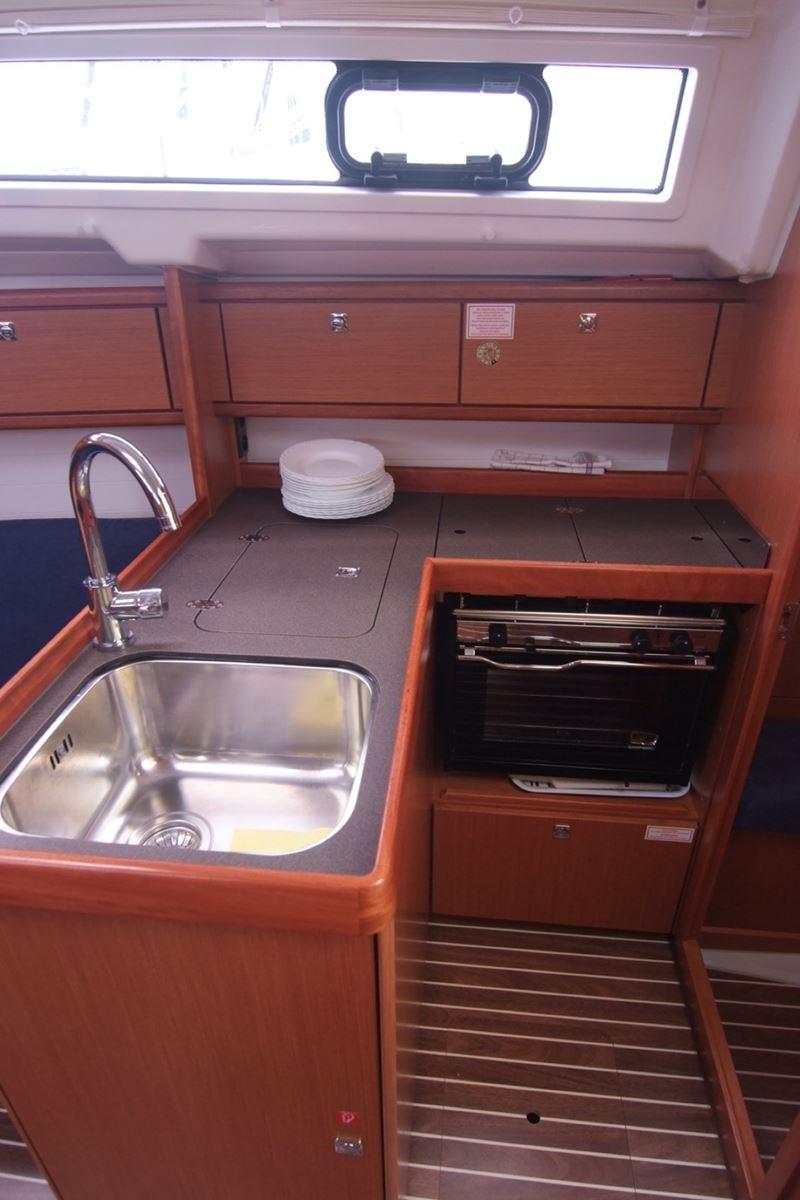 Bavaria Cruiser 33 (6)