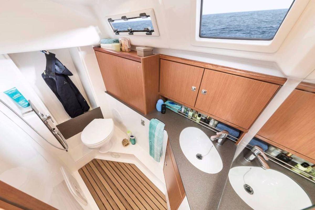 Bavaria Cruiser 34 (1)