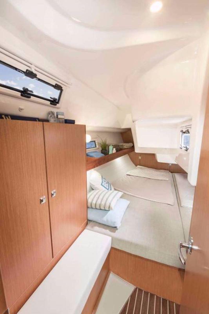 Bavaria Cruiser 34 (10)