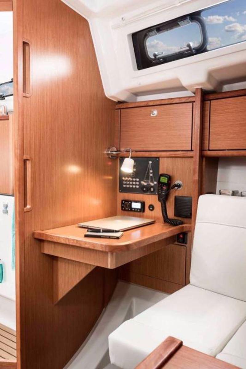 Bavaria Cruiser 34 (8)