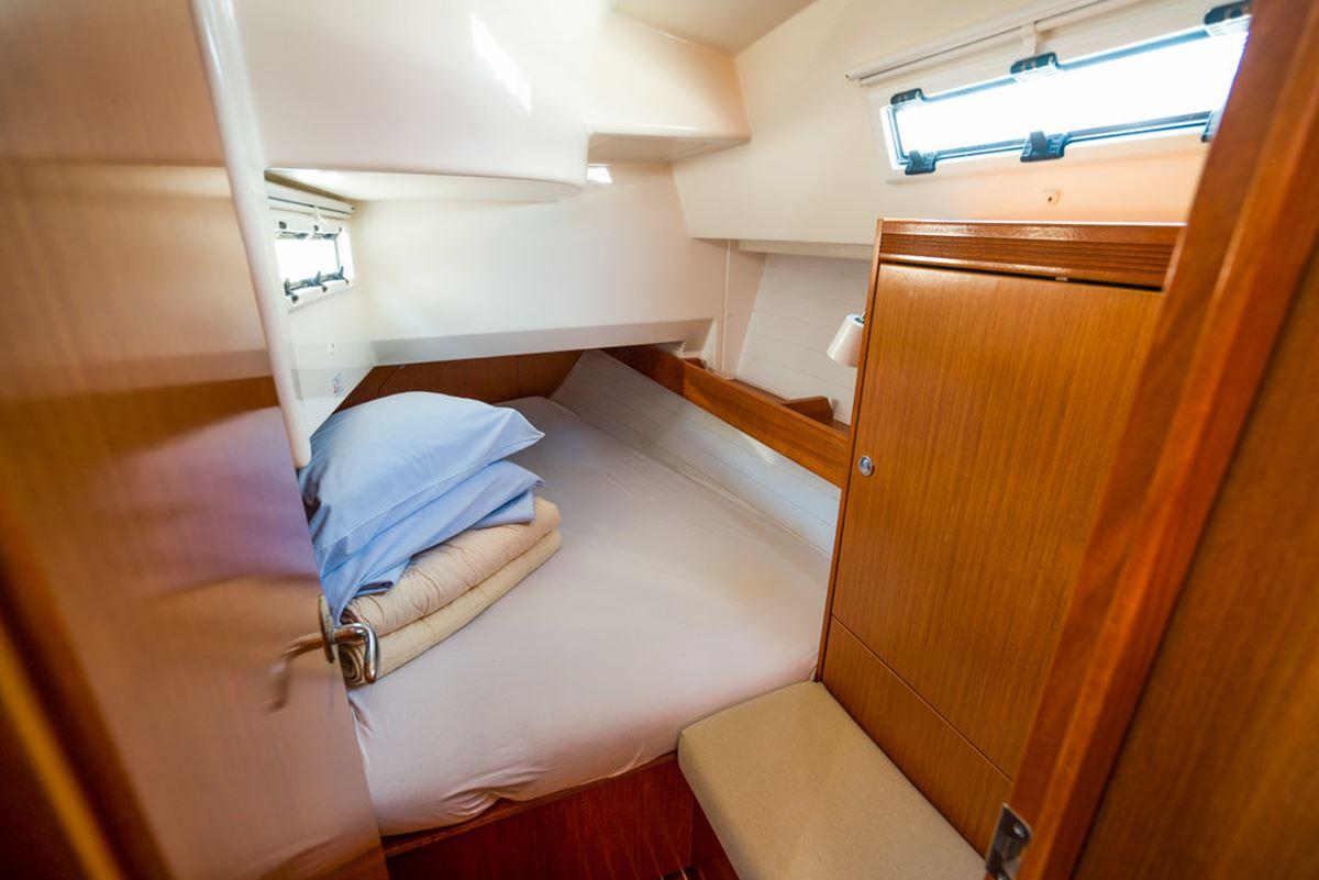 Bavaria Cruiser 36 (12)