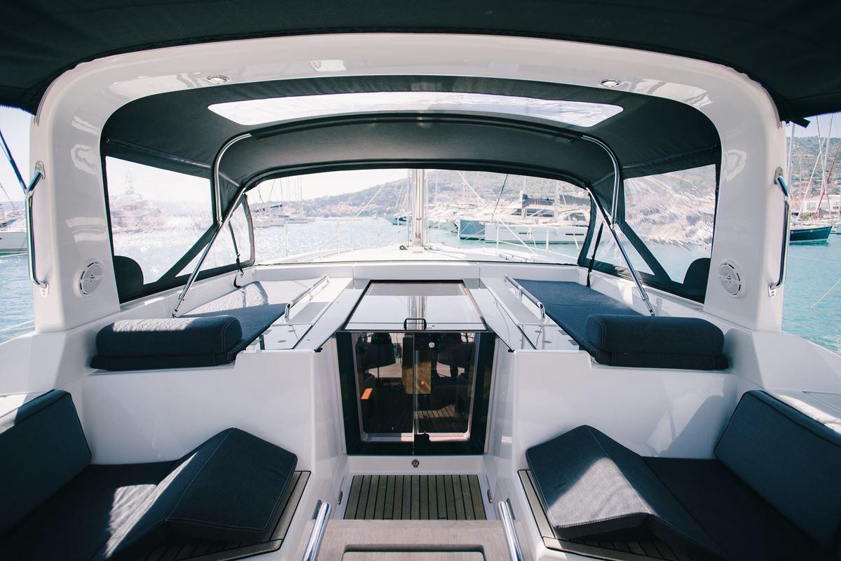 Beneteau Oceanis 55 (7)