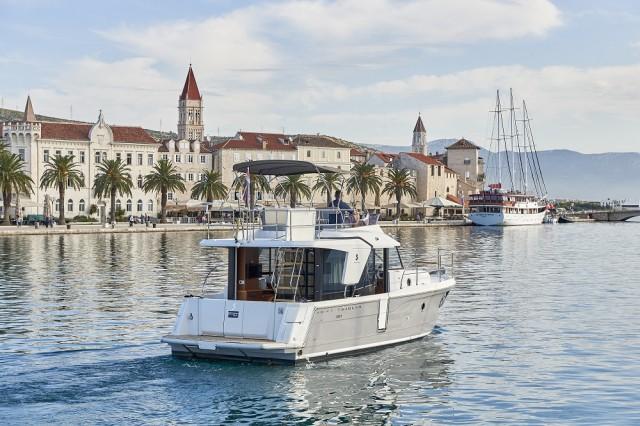Beneteau Swift Trawler 30 (18)