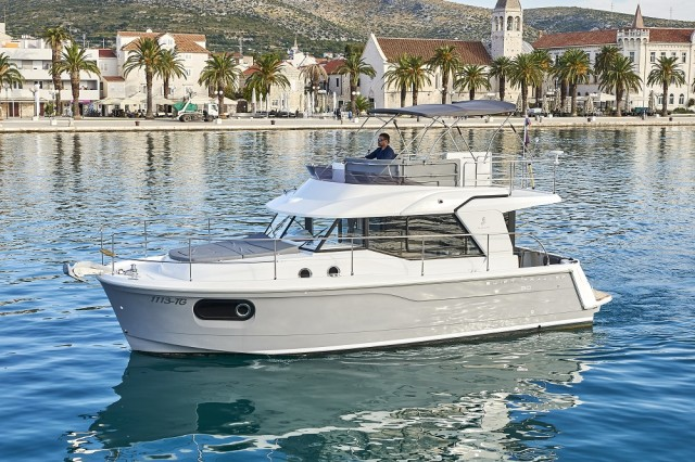 Beneteau Swift Trawler 30 (19)