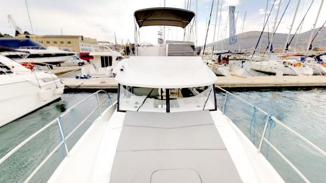 Beneteau Swift Trawler 30 (6)