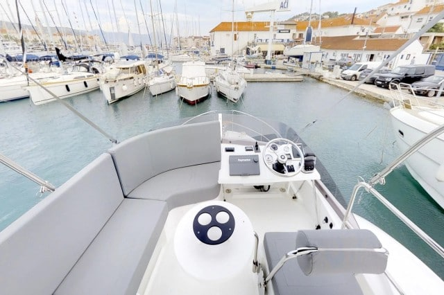 Beneteau Swift Trawler 30 (8)