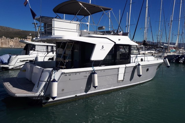 Beneteau Swift Trawler 30 (9)