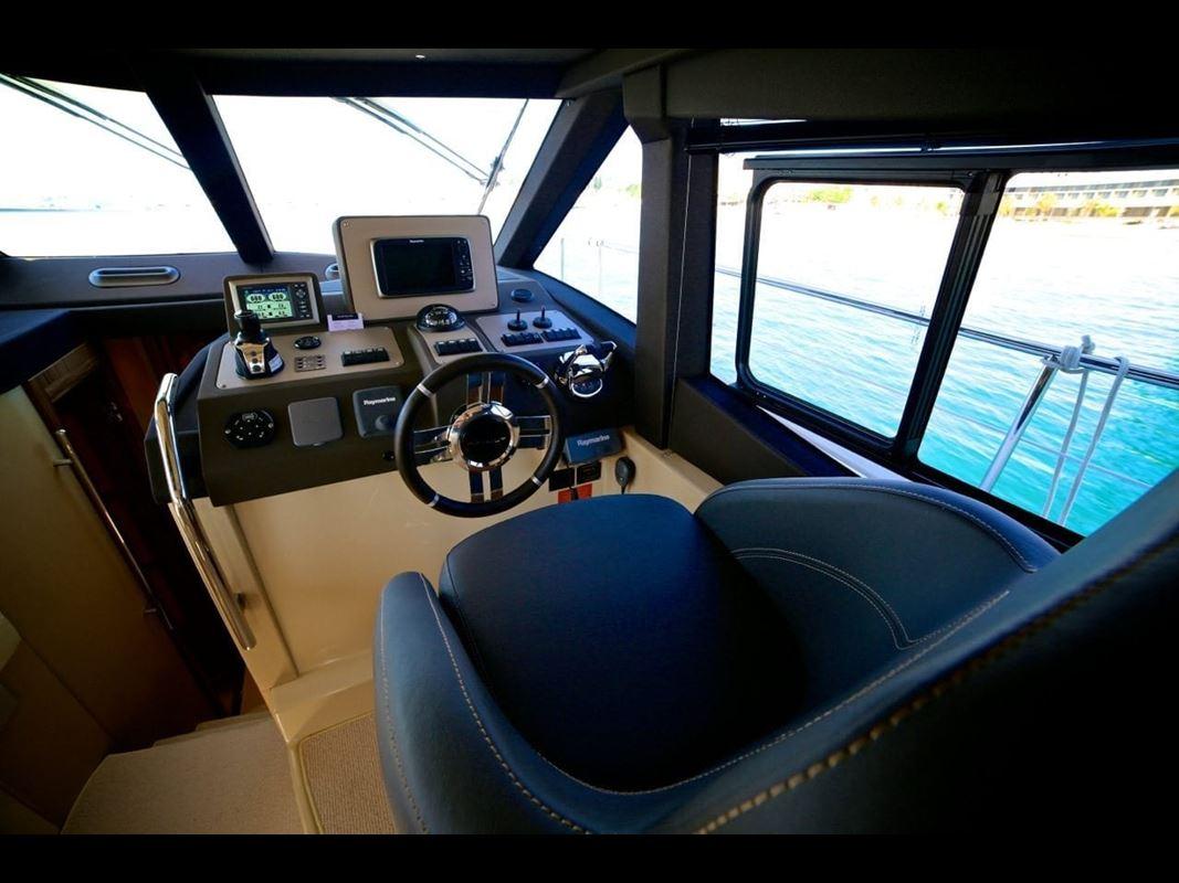 Azimut Magellano 43 Flybridge (8)