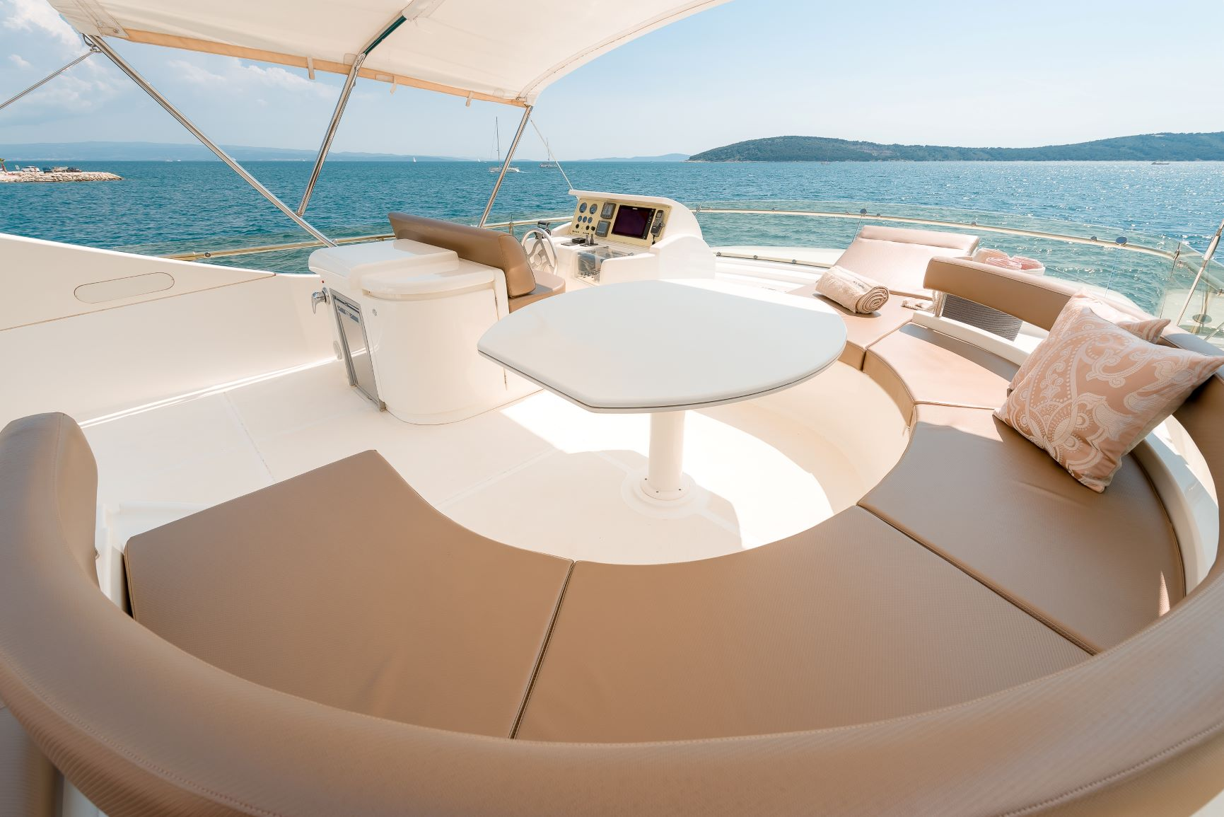 Yachts 730