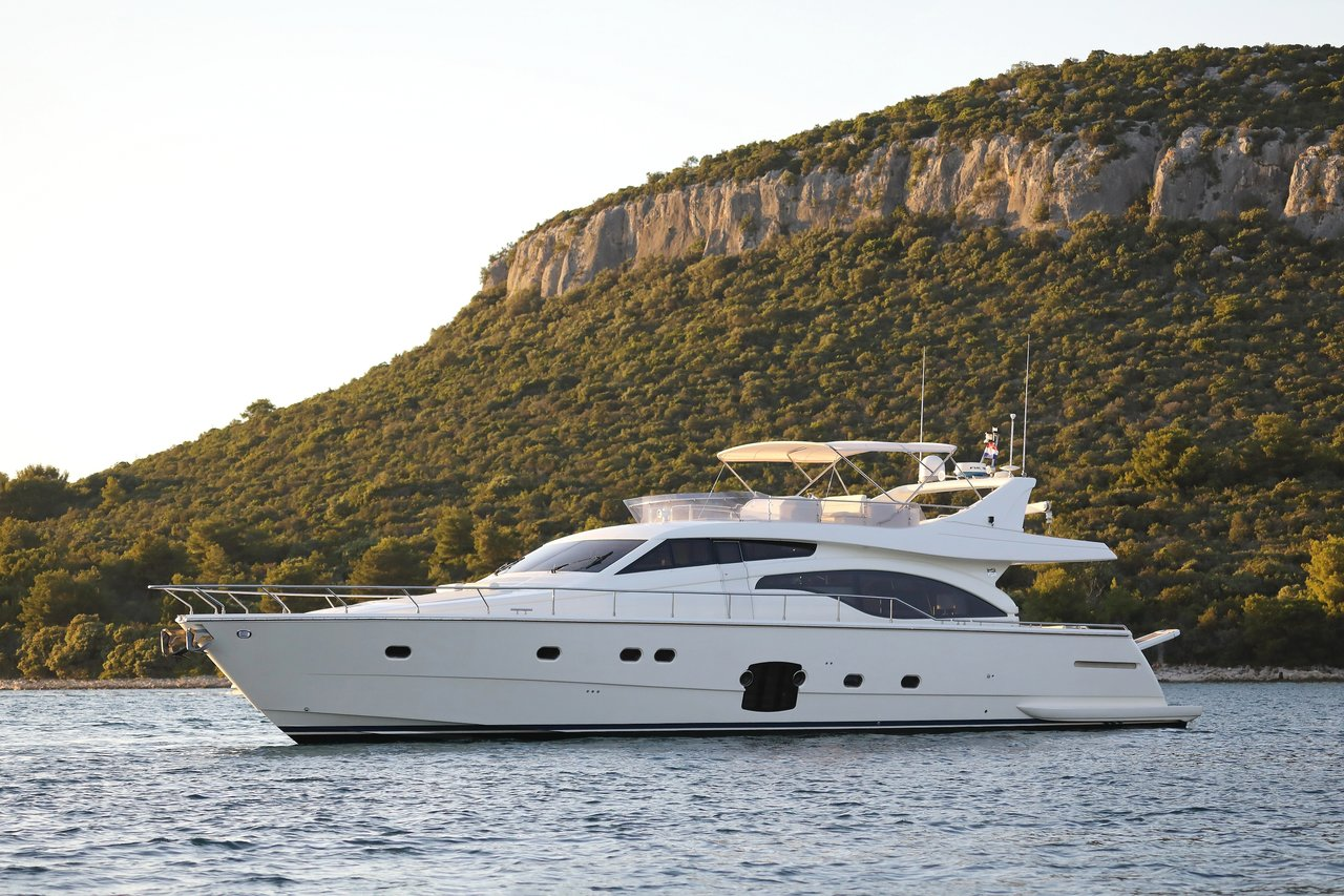 Yachts 681